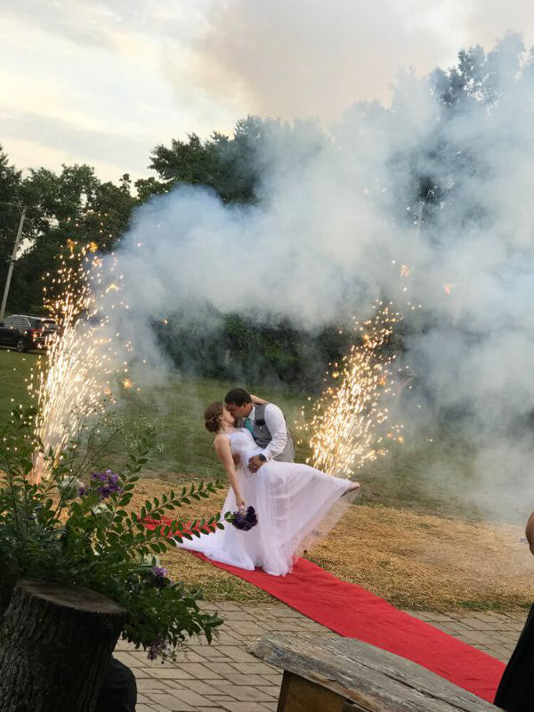 Alda's Explosive Kiss - Wedding Moving Gallery 2018